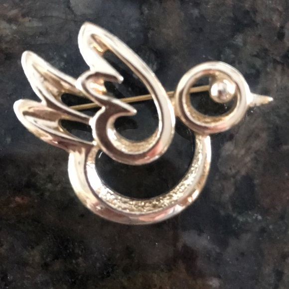Sarah Coventry Jewelry - Vintage Sarah Coventry Bird Chick Pin